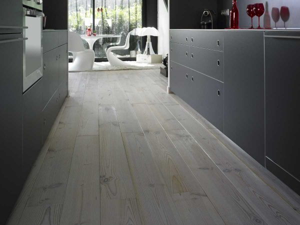 BRUSHED AND WHITE OILED FLOORING
