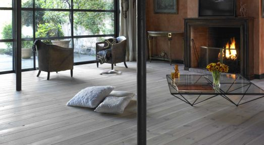 BLEACHED ILED PINE FLOORING