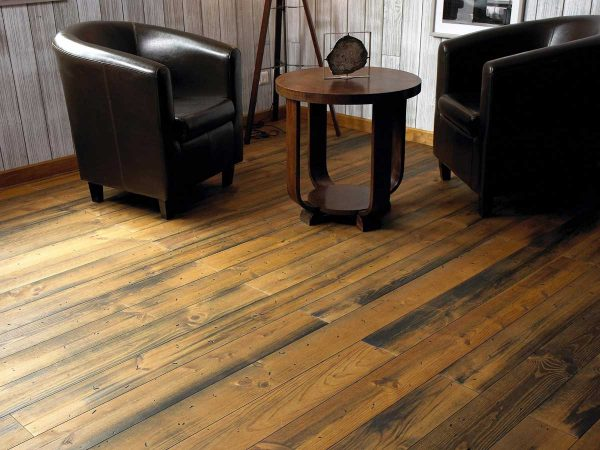 DISTRESSED AND SEPIA OILED FLOORING