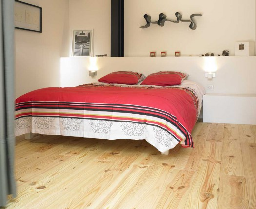 NATURAL OILED PINE FLOORING